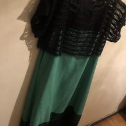yaşıl toy qadın paltarı 10 manata satılır bir dəfə istifadə