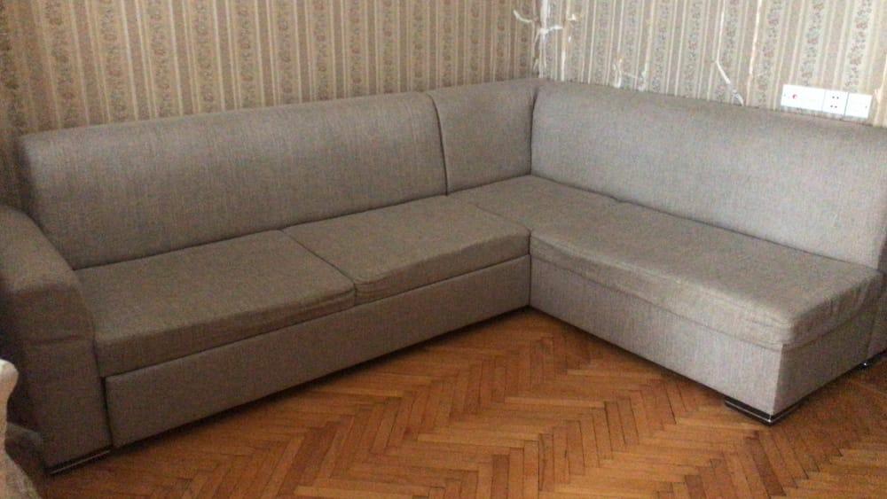 Künc divanı.Açılır yaxşı vəziyyətdədir.Heç bir problemi