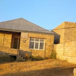 bineqedide 3 otaqli heyet evi satilir evin bûtûn kominal