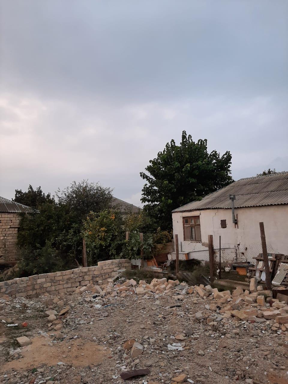 """Biləcəridə torpaq """"Nehrem"""" marketdən 10 dəqiqəlik məsafədə"""