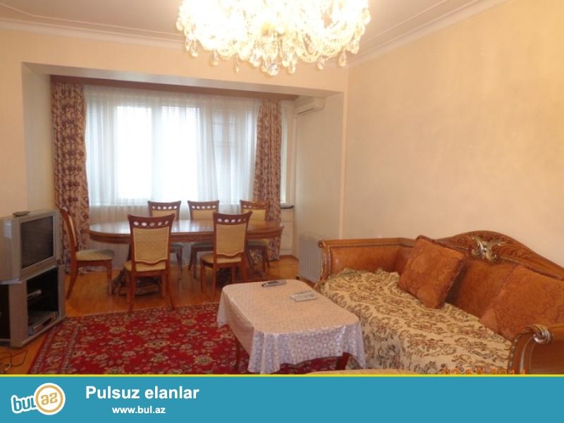 Сдаётся 3-х комнатная квартира по улице Нахчивани проспект  Строителей...
