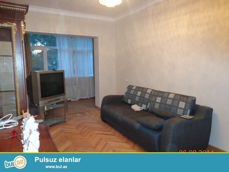 По улице Измир сдаётся 3-х комнатная квартира...