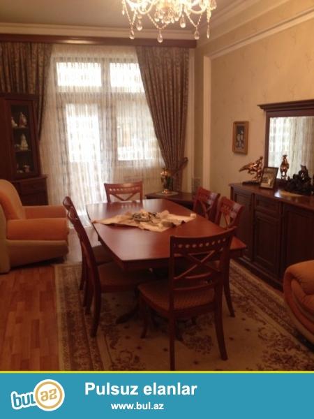 Сдается 3-х комнатная квартира в престижной новостройке,в центре города,по проспекту Азадлыг, за Насиминским Полицейским Управлением...