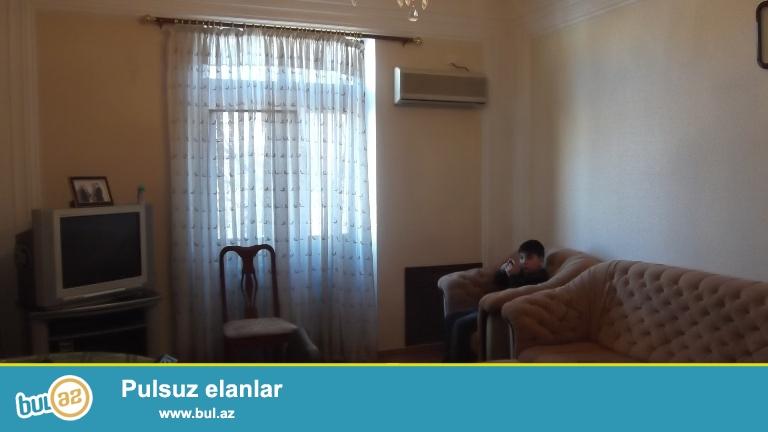 Cдается 4-х комнатная квартира в центре города, по проспекту Строителей,рядом с Таможенным госпиталем...