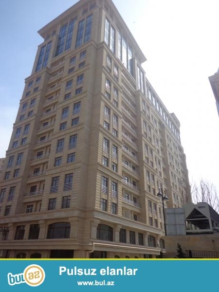 Аренда 3 комнатной новостройки в Баку! Квартира расположена на 5 этаже...