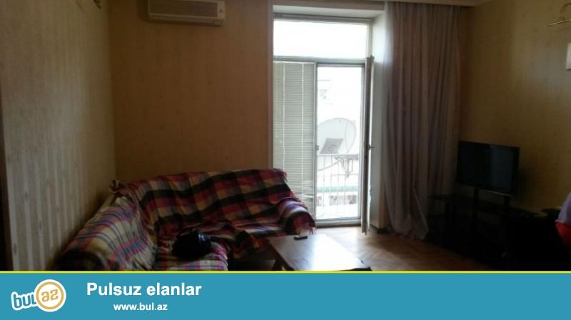 В центре города по улице Низами сдаётся 3-х комнатная...