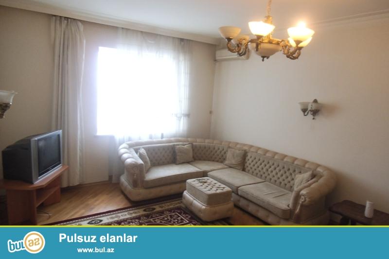 Yasamalda 18 mərtəbəli binanın 12-ci mərtəbəsində 3- otaqlı mənzil ailə üçün kirayə verilir...