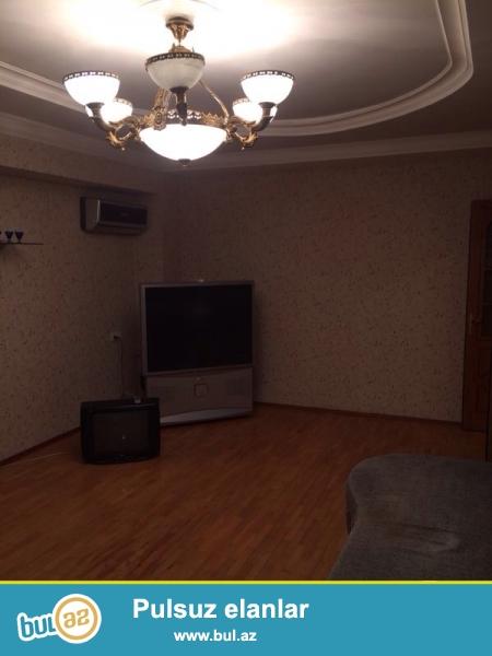 Сдаётся 3-х комнатная квартира около парка С...
