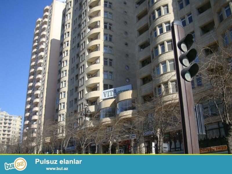 Cдается 3-х комнатная квартира в престижной новостройке, в центре города, около метро Низами...