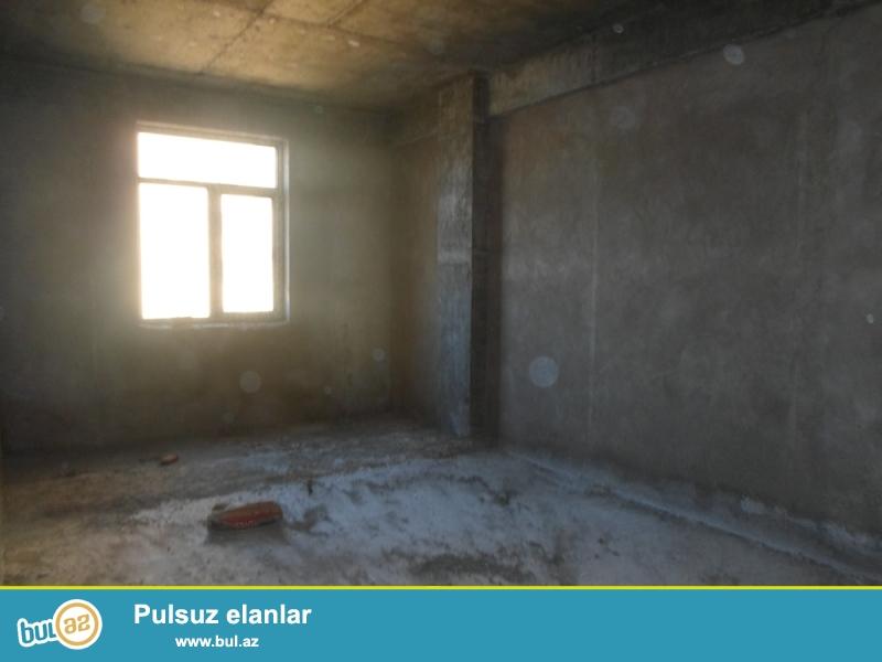 DƏYƏRİNDƏN AŞAĞI!!! Yasamal rayonu, İctimai TV-nın yanındakı bina, İctimai TV işçiləri üçün tikilmiş binada 11/14 ümumi sahəsi 99 kv...