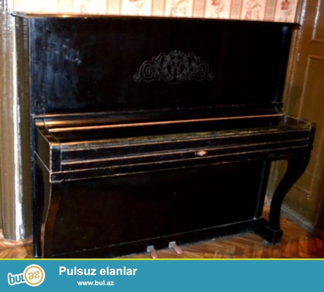 Qiymətdə anlaşmaq olar. Yüksək keyfiyyətli Belarus pianinosudur, renglənərsə ilk günkü kimi yeni görünər, içi əla vəziyyətdədir