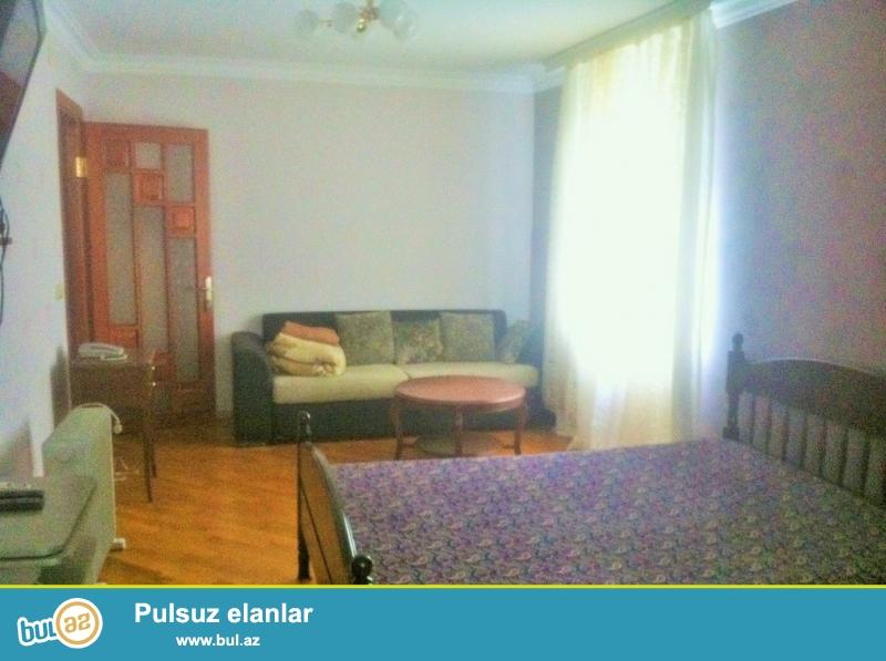 Срочно! Продается  1 комнатная квартира старого строения 2/5, рядом  с проспектом Гейдара Алиева  вблизи с БТИ ...