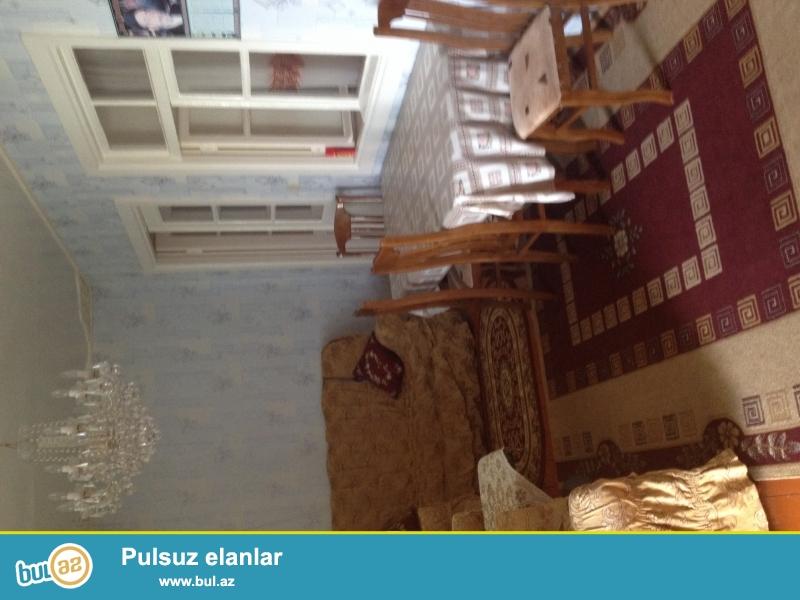 Bilgehde denizle 1km arası olan 7sot torpaqı 4otaqlı ev satılır...