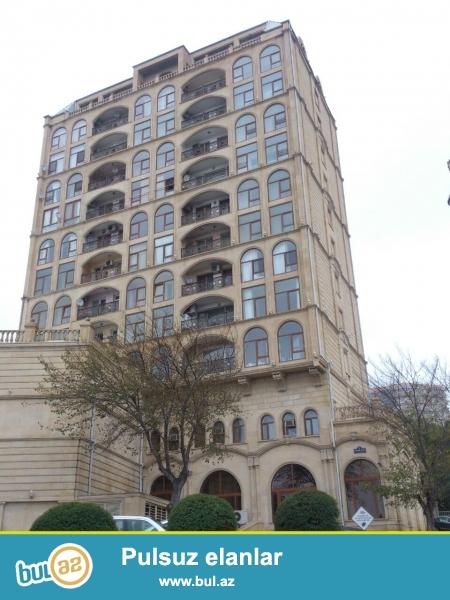 Cдается 2-х комнатная квартира в центре города, рядом с Кабинетом Министров...