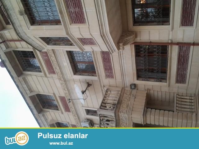 Q.Qarayevdə 12 sotda 3 mərtəbə Təmirli Villa həyətində bağı və panoramalı...