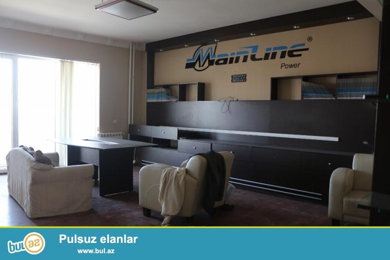 Yasamal Rayonu Prospekt Nərmanov Metro Nizami və Statistika idarəsinə yaxin 16/1-si ümumi sahəsi 130Kv...