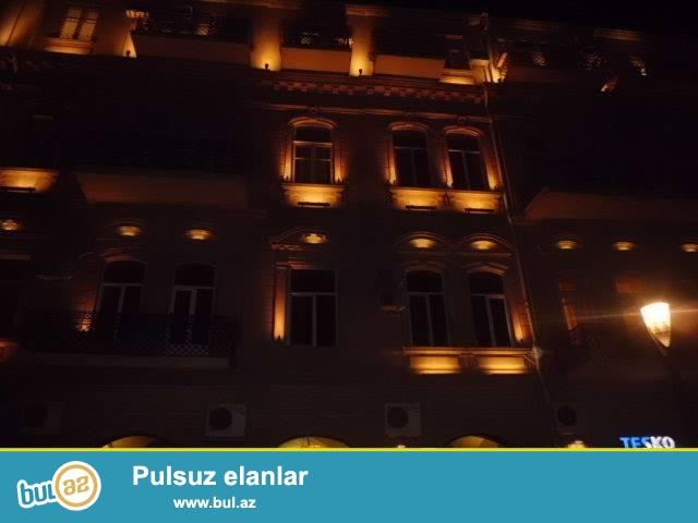 Bakı.ş.Səbail.r Tarqovuda Arxitektor layhəli 4-mərtəbəli binanın 2-ci mərtəbəsində 4-otaqlı mənzil satılır...