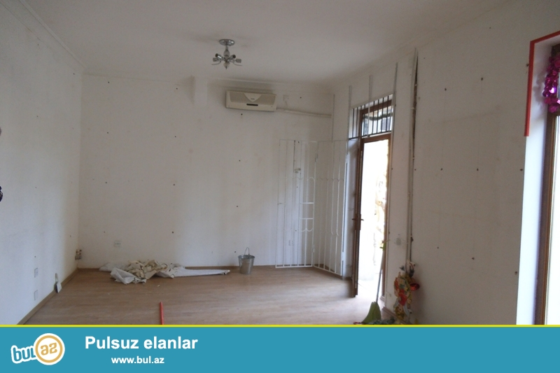 Cдается пустое помещение около метро Элимляр Академиясы...