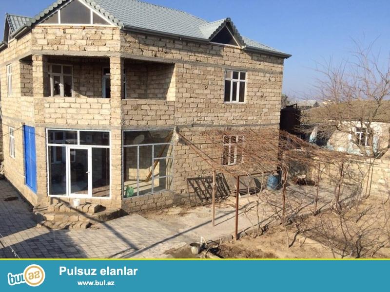Hovsanda,Pekani terefde yeni tikilmis heyet evi satilir...