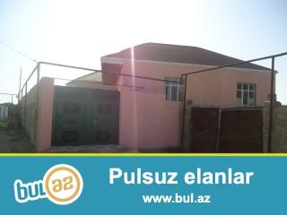 MOBİL ZABRAT 2 QƏSƏBƏSİNDƏ təcili olaraq 2 sot torpaq sahəsində 9 daş kürsüdə 90 kv mt olan  3 otaqlı həyət evi satılır...