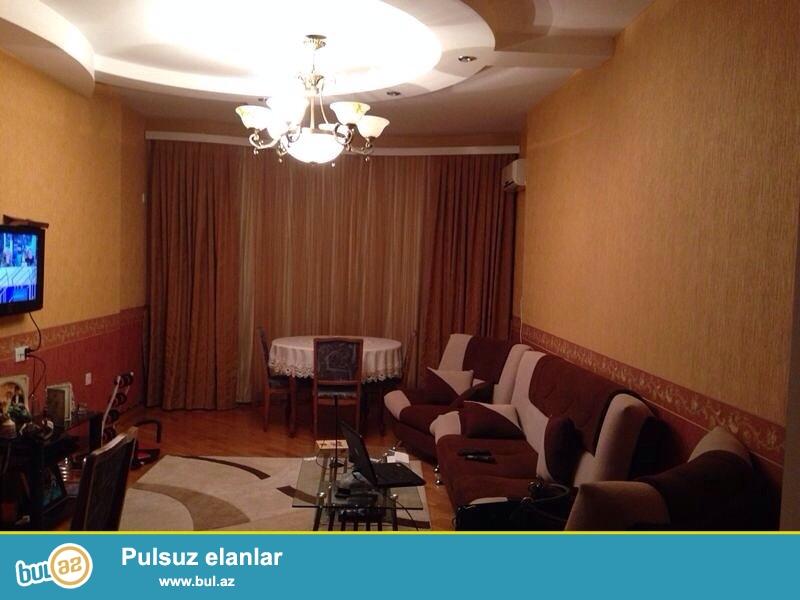 """Сдается 2-х комнатная квартира в новостройке,по улице Табриз, рядом с домом торжеств """"Су Сонасы""""..."""