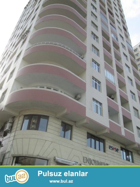 По проспекту Г. Джавида сдаётся 4-х комнатная квартира Общая площадь 200 кв...