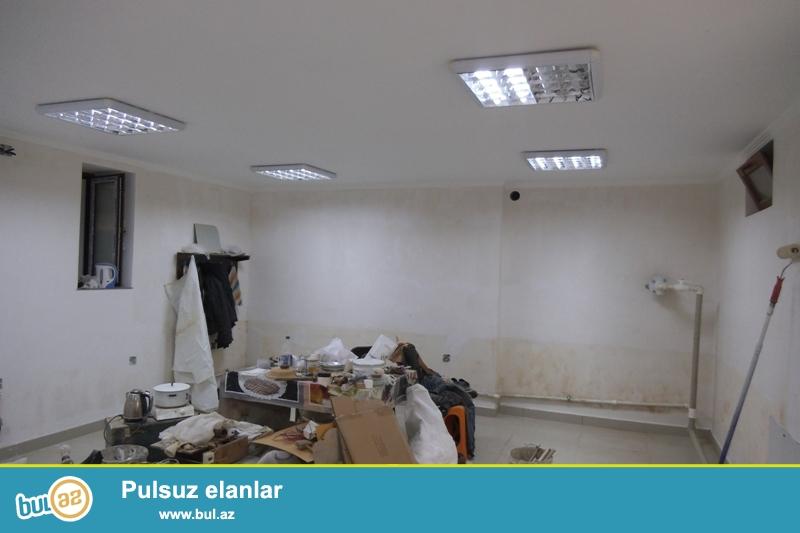 Cдается пустое помещение около метро Элмяр Академиясы...