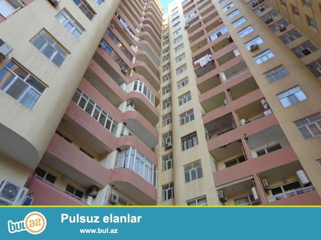 По улице Зердаби , около клиники Туси, в элитной заселенной новостройке продается 3-х комнатная квартира...