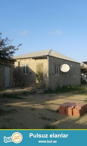 Очень срочно! По дороге Маштага – Бильге в поселке Вишневка -2  продается трех комнатный частный дом 100 квадрат  на 8-и сотках...