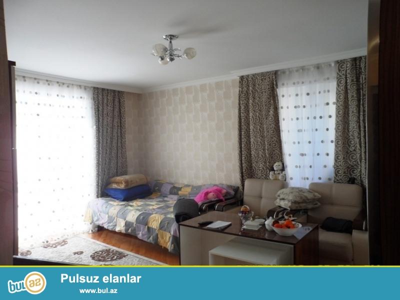 Срочно! Продается  1 комнатная квартира старого строения 2/5, по проспекту Азадлыг, супер ремонтом, площадью 34 квадрат...