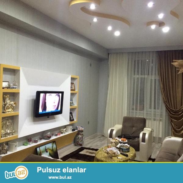 В престижном районе города, по улице Зедаби, около метро Иншаатчылар , в элитной заселенной новостройке продается 1-х комнатная квартира, перед в 2-х комнатную ...