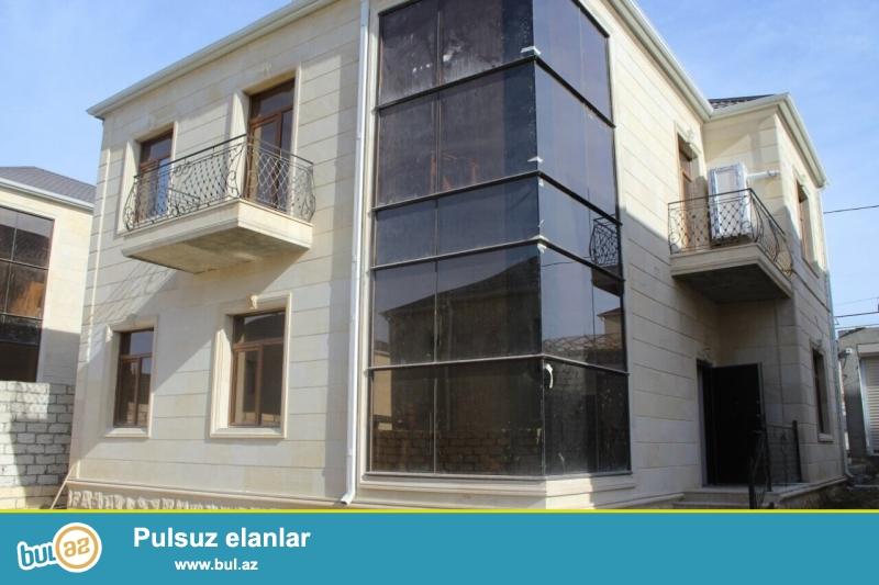 Срочно! В Бадамдаре в 3-ем массиве  продается  2-х этажная, 5-и комнатная, площадью 220 квадрат, с евро ремонтом вилла на 3-х сотках...