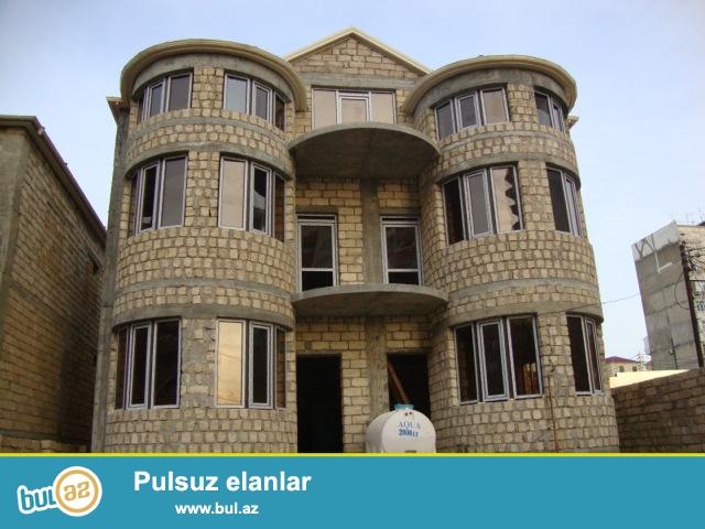 Nizami r-nu Neftçilər metrosu yaxınlıqında Naxçıvanski küçəsi Nazlı şadlıq sarayın yanında 300 kv...