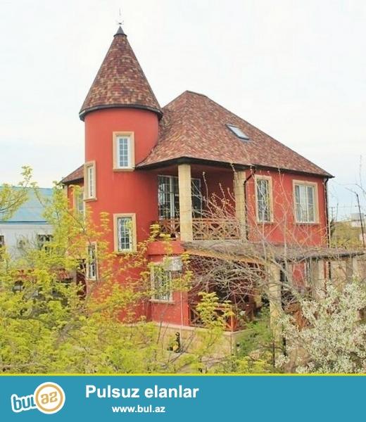 Очень срочно! В  поселке Бильгя не далеко от моря  рядом с *ДЖУМЕЙРОЙ*   продаётся  7-ми комнатный   особняк   нового строения , общей площадью  355 квадрат, расположенный на 7-ми сотках...