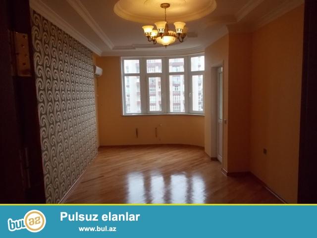 На проспекте Г. Зердаби , в элитной заселенной новостройке продается 3-х комнатная квартира...