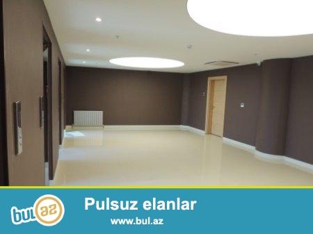"""""""Yeni Həyat"""" """"Azure"""" Business Centrede 25-ci mərtəbəsində sahəsi 389 kv..."""