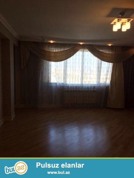 Впервые!!!После ремонта никто не жил!!!!Вся мебель будет новой!!!Cдается 3-х комнатная квартира в новостройке, в центре города, около метро Низами...