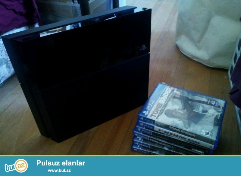 Sony - PlayStation 4 500GB Четыре игры один автомобиль Bundle - Черный<br /> <br /> Это зарядная станция позволяет легко хранить и пополнять власть до двух PlayStation 4 DualShock 4 или PS Move контроллеров, так что вы никогда не будете без необходимой мощности, чтобы доминировать на поле снова...