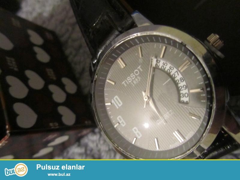 Tissot Quartz:Kvars mexanizm,paslanmayan polatdan korpus,mineral şüşe,deri kemer,ay göstericisi,suya davamlı...