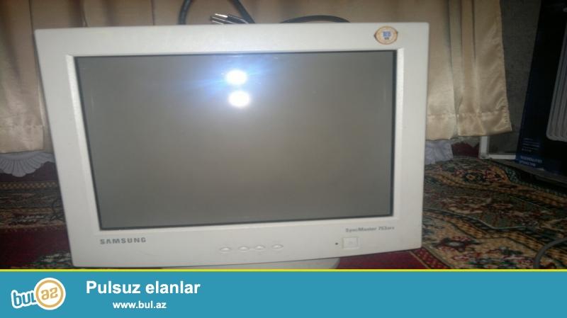 ekran 17 dilik,1280X1024. ela veziyyetdedir.