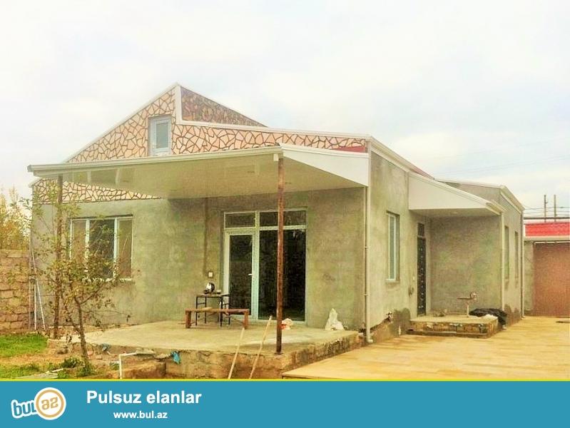 Срочно! В поселке  Бузовна , рядом с новым афтобамом  Бузовна – Баку  ,в 200 метрах от трассы , продается  дачный дом , площадью 150 квадрат, 4-х комнатная, расположенная на  4,5 сотках приватизированного  земельного участка...
