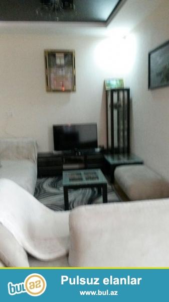 Cдается 1 комнатная квартира переделанная в 2-х комнатную комнатная квартира в новостройке, около Ясамальскомй Полиции...
