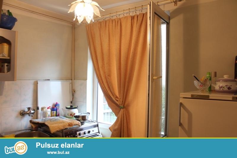 DƏYƏRİNDƏN AŞAĞI!!! Yasamal rayonu, Türk məscidi yaxınlığında 4/5 ümumi sahəsi 35 kv...