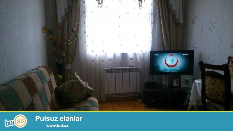 Yeni tikili və yeni təmirli 3 otaqlı ev satılır biləcərlidə. Ev kombi sistemi ilə təhciz edilmişdir...