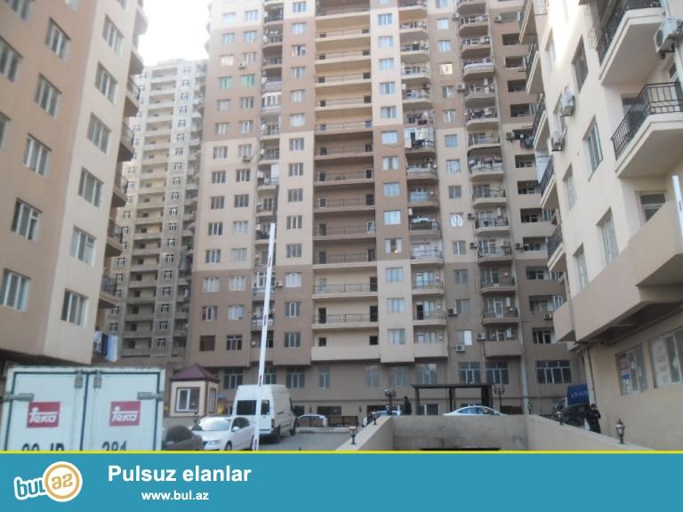Yeni Yasamal Etalon yasayis kompleksinde 2/3 duzelmis temirli ev binanin qazi var...