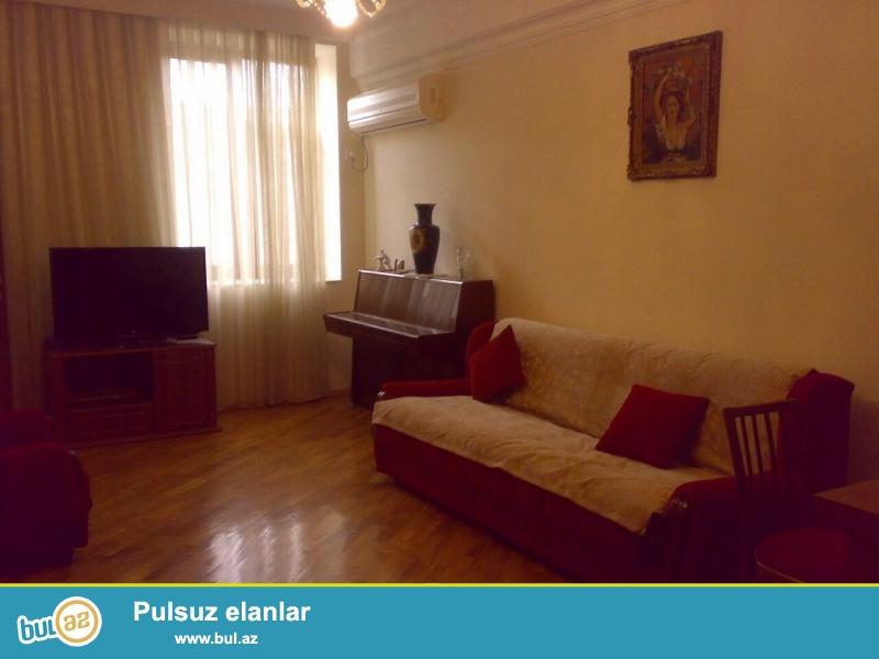 Cдается 3-х комнатная квартира в центре города,на площади Фонтанов...