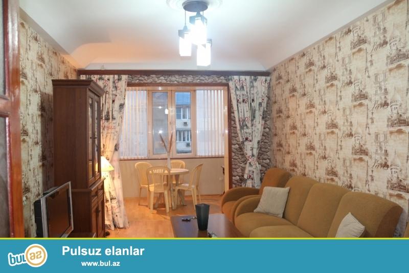 Səbail rayonu, Medi Club Tibb Mərkəzi və Hökumət Evinin yaxınlığında 4/5 ümumi sahəsi 50 kv...