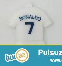 Real Madridin ulduz futbolçusu Cristiano Ronaldo adında ve nömresinde USB Flaş Kart...