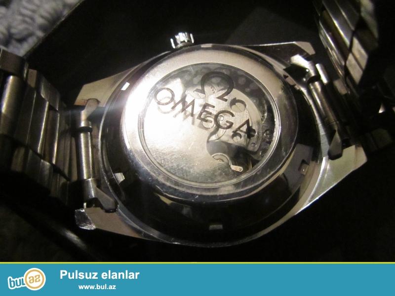 Omeqa:Avtomatik turbiliyon mexanizm,paslanmayan polatdan korpus ve qolbaq,24saat gösterisi,elave saniye,fosforlu eqrebler,mineral şüşe,suya ve zerbeye davamlı...