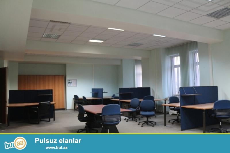 Səbail rayonu H.Z.Tagiyev Küçəsi yaxin Biznes Mərkəzində,Ofislər İcarəyə verilir...
